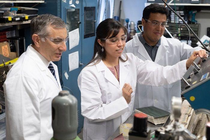 莱斯大学化学家